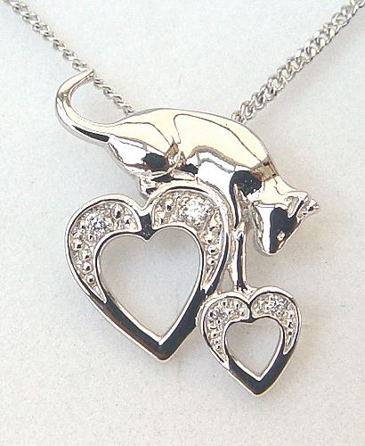 Capture My Heart Cat Necklace